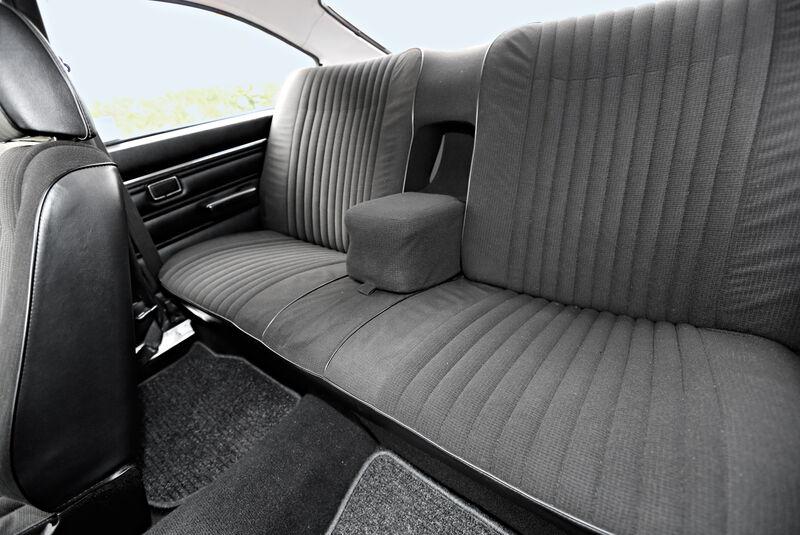Ford Taunus 2300 GXL, Rücksitz