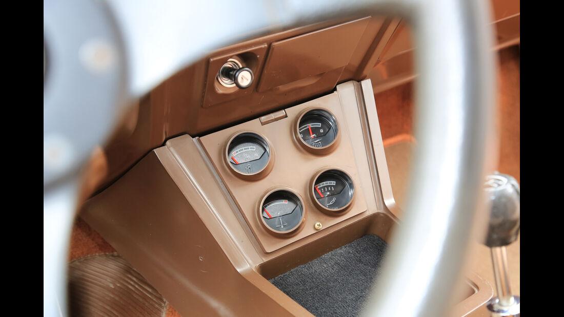 Ford Taunus TC 2.0 GXL V6, Mittelkonsole