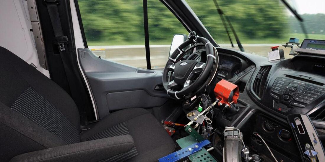 Ford Transit Fahrroboter