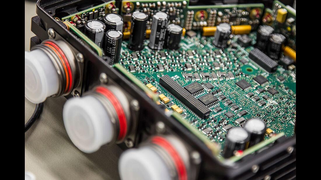 Formel 1 Elektronik, Motorsteuerung