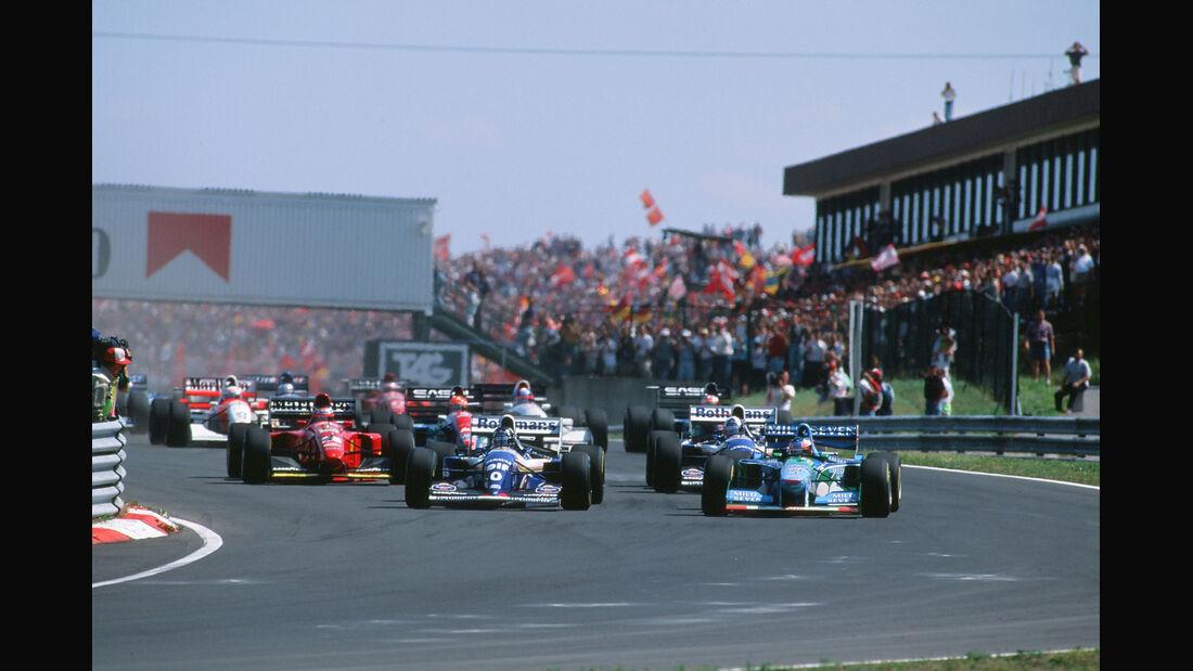 Formel 1 - F1 - F1-Saison 1994 - Schumacher - Benetton-Ford B194 - GP Ungarn 1994 - Start - Hill - Coulthard - Berger