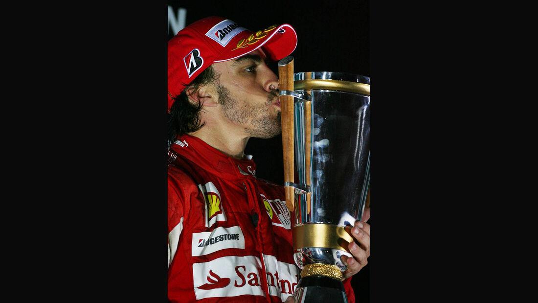 Formel 1 GP Korea 2010 Alonso Pokal