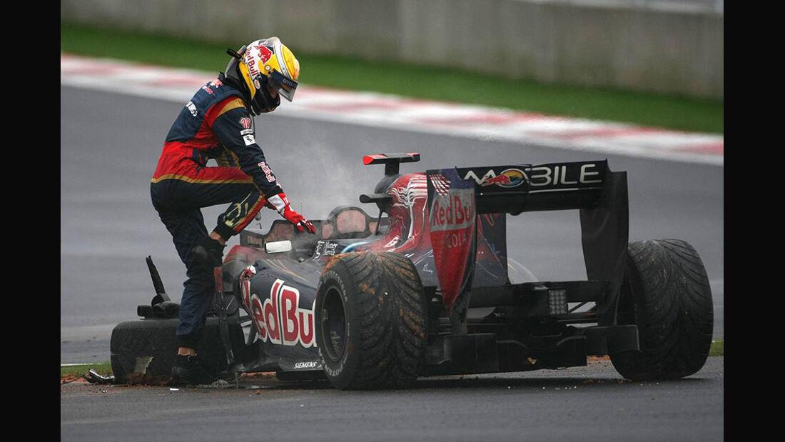 Formel 1 GP Korea 2010 Buemi Crash