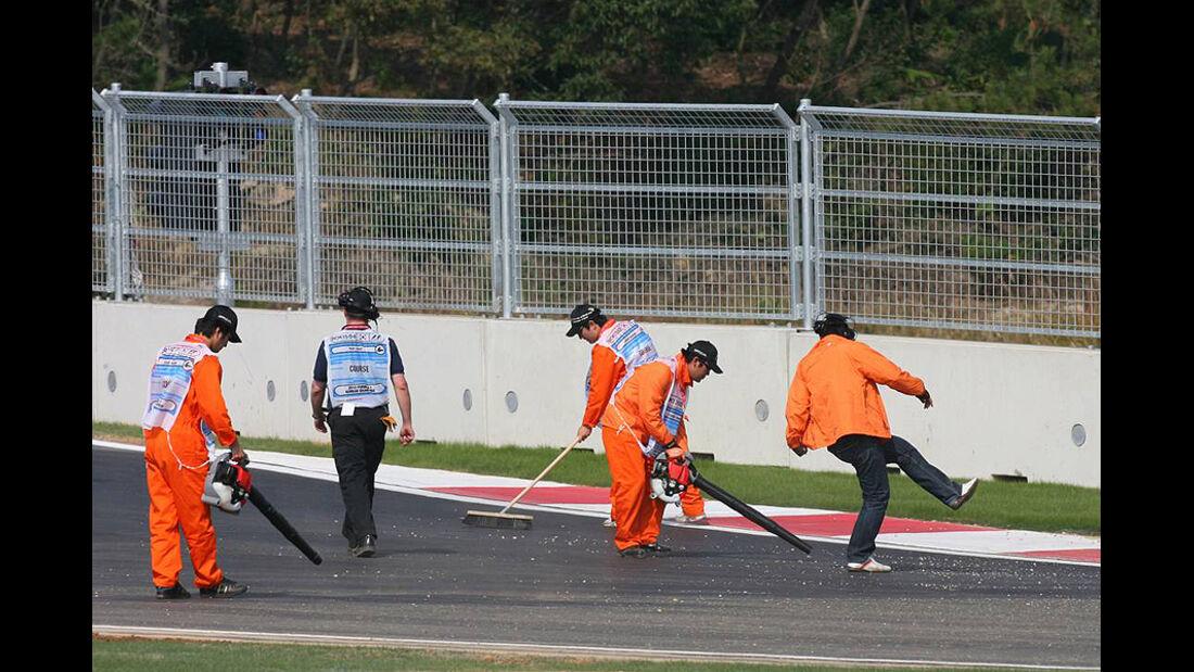 Formel 1 GP Korea 2010 Putzaktion