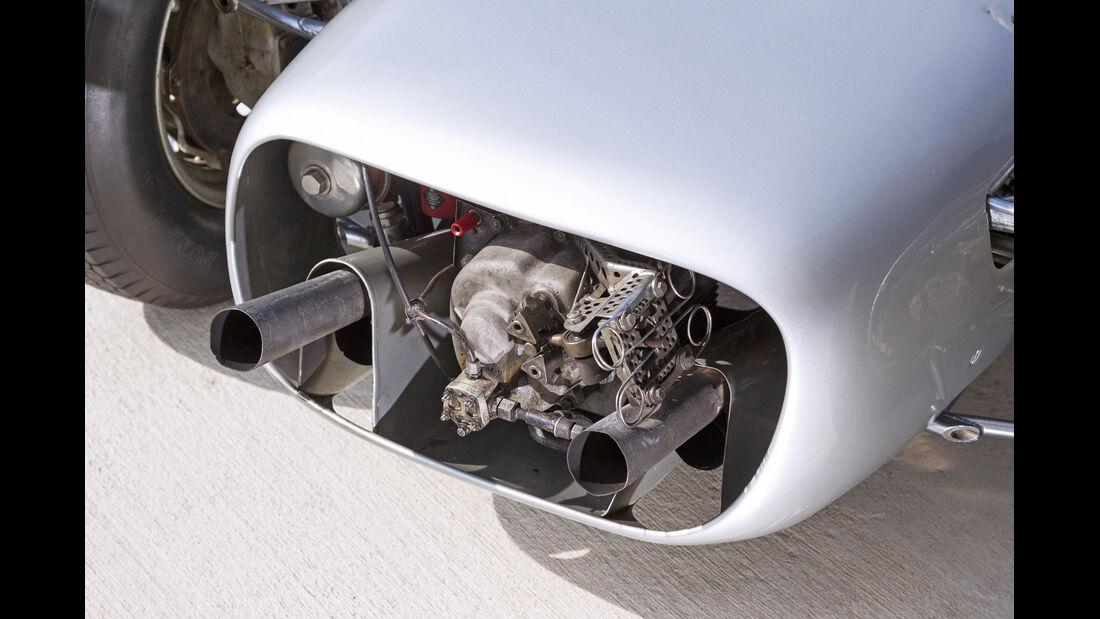 Formel 1-Porsche 804, Heck, Endrohre