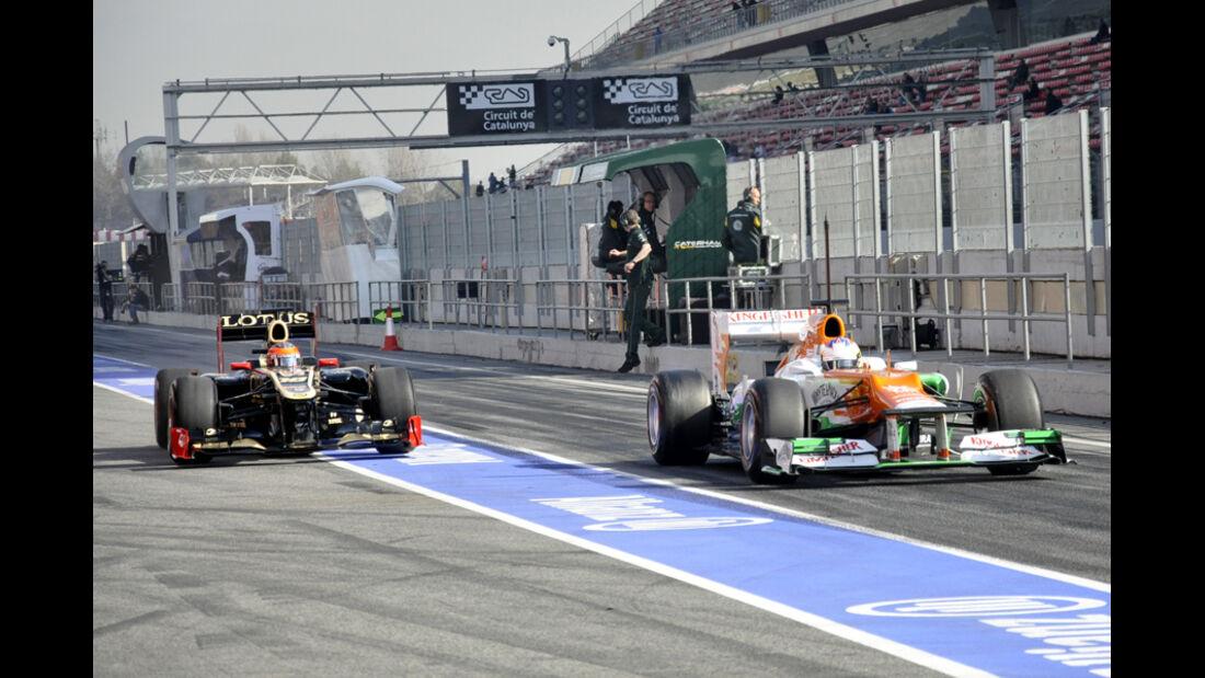 Formel 1-Test, Barcelona, 01.03.2012, Paul di Resta, Force India, Romain Grosjean, Lotus Renault GP