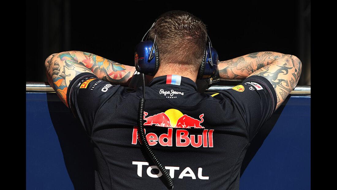 Formel 1-Test, Barcelona, 22.2.2012, Mechaniker, Red Bull