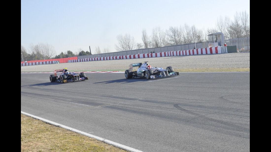 Formel 1-Test, Barcelona, 23.2.2012, Michael Schumacher, Mercedes GP, Mark Webber, Red Bull