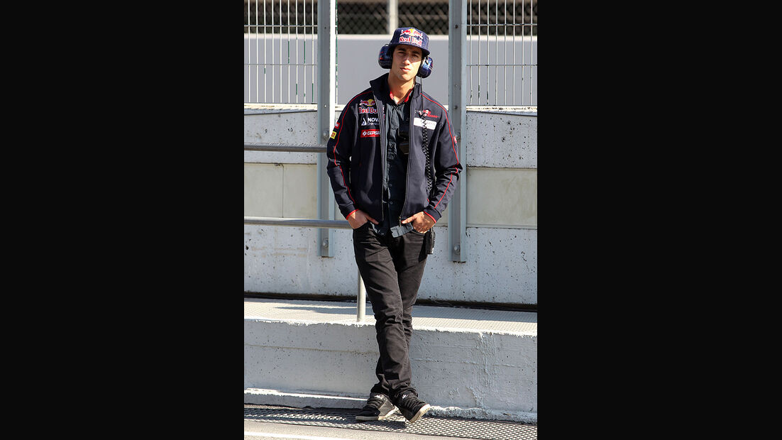 Formel 1-Test, Barcelona, 24.2.2012, Daniel Ricciardo, Toro Rosso