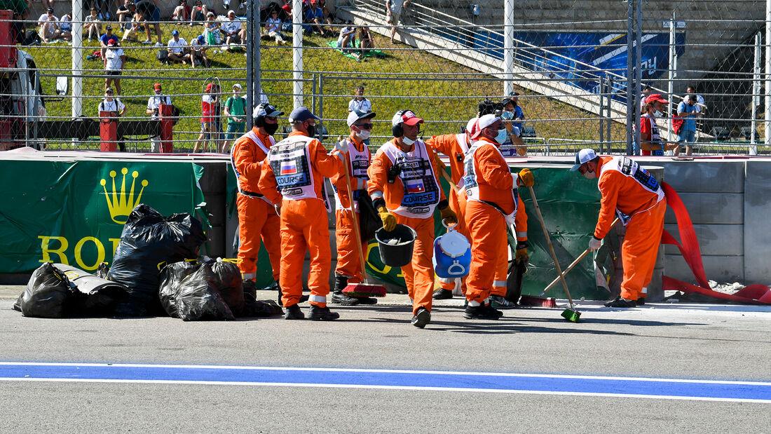 [Imagen: Formel-2-Crash-Russland-Sotschi-2020-169...727314.jpg]