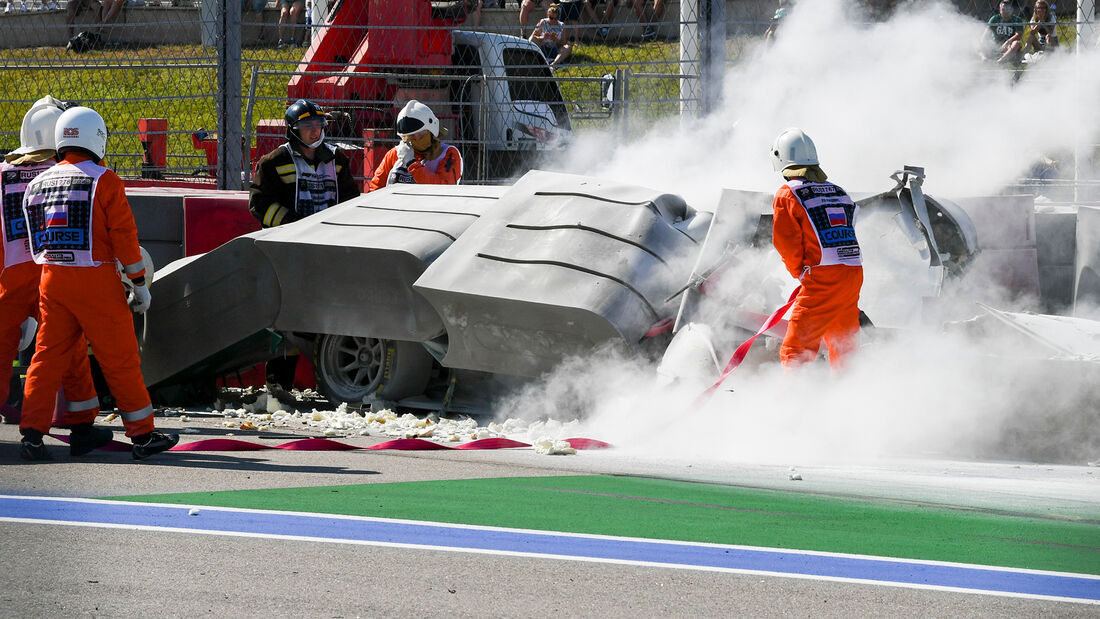 [Imagen: Formel-2-Crash-Russland-Sotschi-2020-169...727310.jpg]