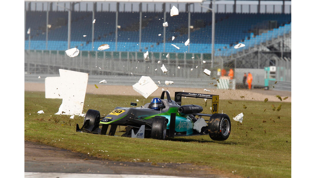 Formel 3 Silverstone - Crash - 2013