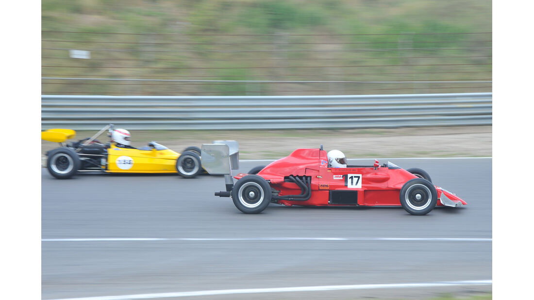 Formel Ford 2000, Seitenansicht