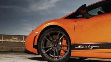 Front mit 19-Zoll-Alufelgen und Bremsanlage des Lamborghini Gallardo LP 570-4 Superleggera