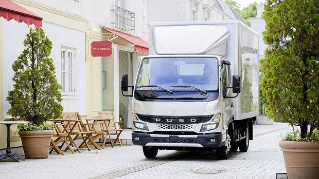 Camión ligero Fuso Canter 2021