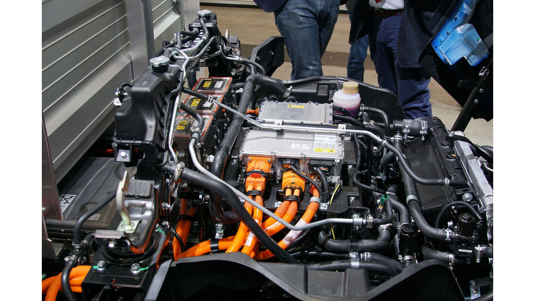 Fuso eCanter 7C16 e - Lkw - Electric Vehicle Symposium 2017 - Stuttgart - Messe - EVS30