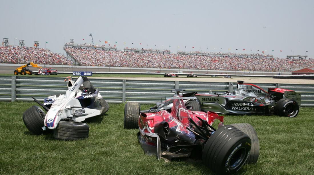 GP USA 2006 Montoya Räikkönen Crash