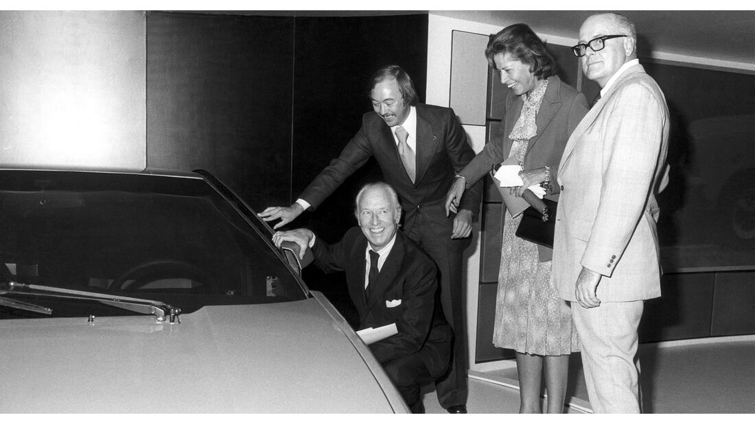Gallion-und-Generaldirektor-McCormack-Opel-GT-2-IAA-1975
