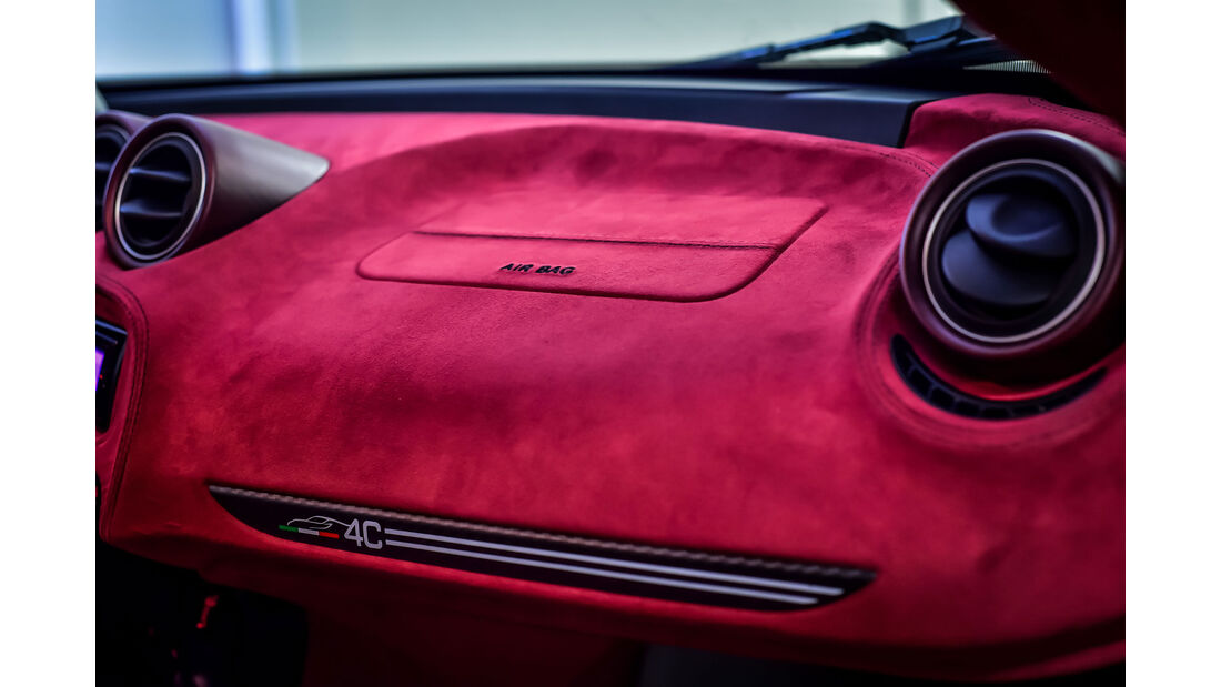 Garage Italia Customs - Alfa 4C La Furiosa - Sportwagen - Dubai Motor Show