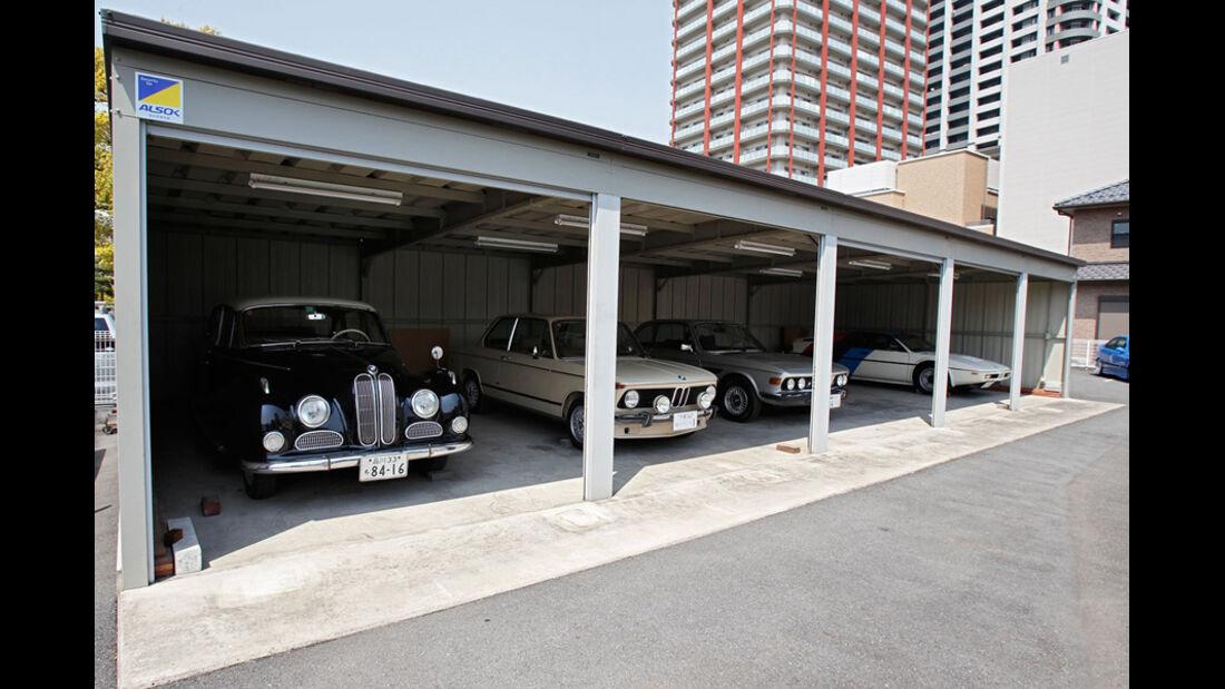 Garage mit BMW-Sammlung