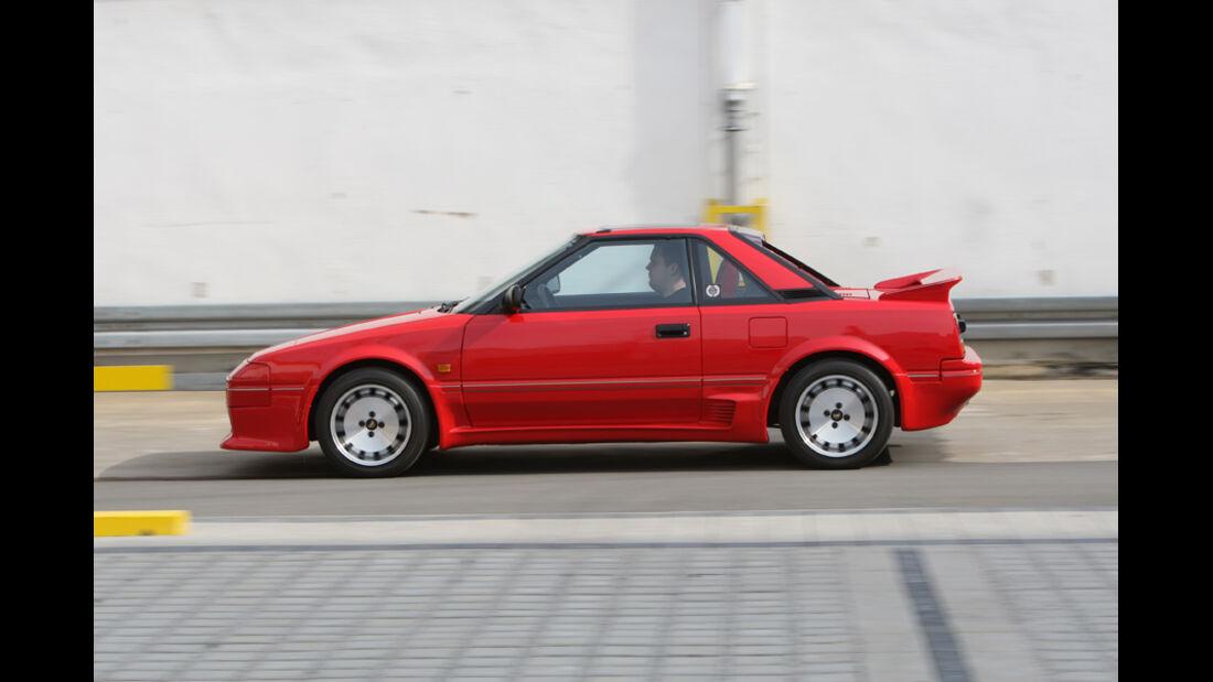 Garagen-Porträt Toyota MR 2