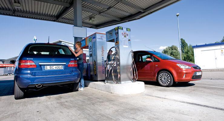 Gasantrieb, Tankstelle