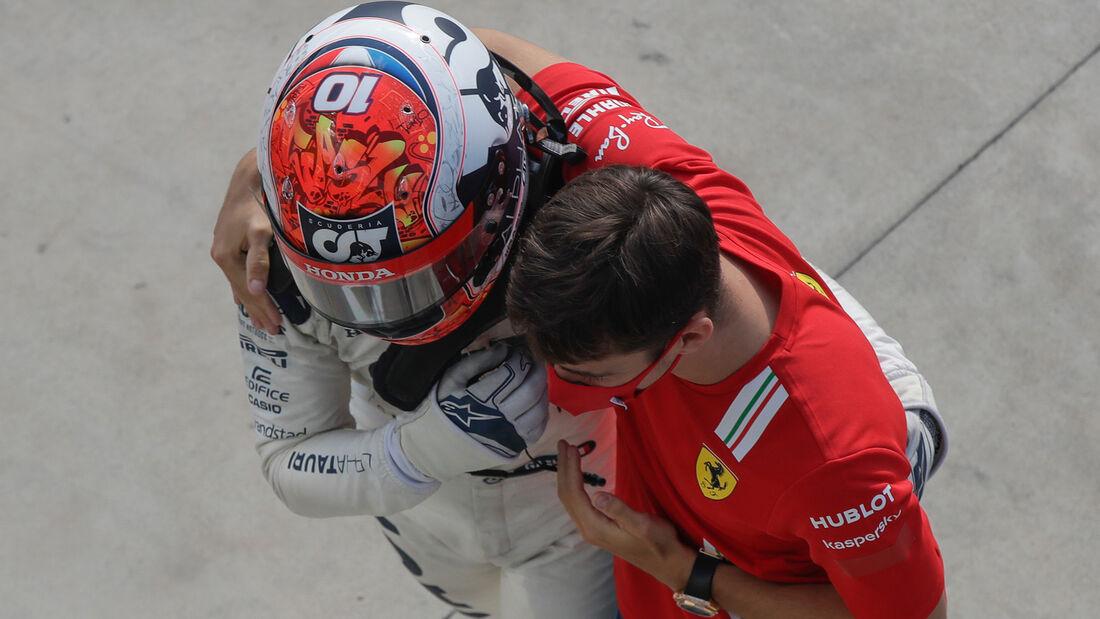 [Imagen: Gasly-Leclerc-GP-Italien-2020-Monza-Renn...721053.jpg]