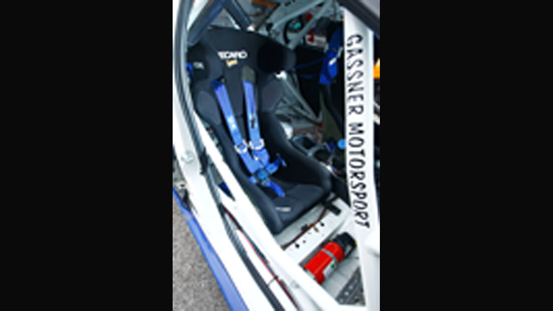 Gassner-Mitsubishi Gruppe N-Evo, Sportsitz