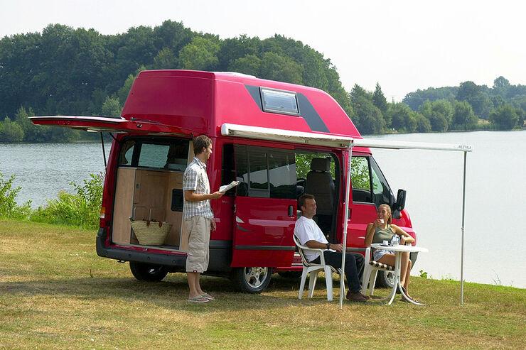gebrauchte campingbusse hochdach hubdach oder. Black Bedroom Furniture Sets. Home Design Ideas