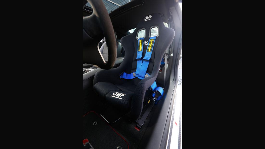 Geiger Chevrolet Camaro ZL1, Sitz, Gurt