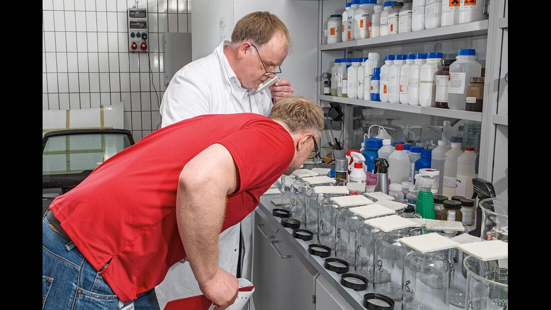 Geruchsprobe, Frank Ritscher, Henning Busse
