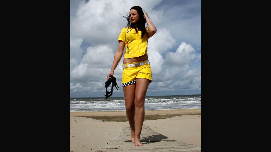 Girl DTM 2011