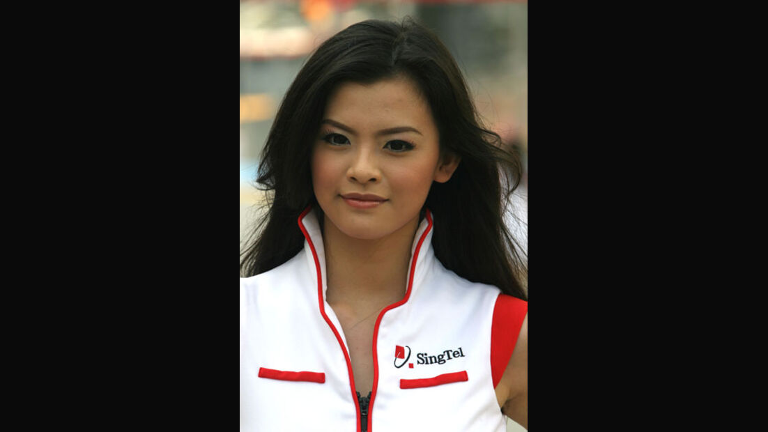 Girl - GP Singapur - 24. September 2011