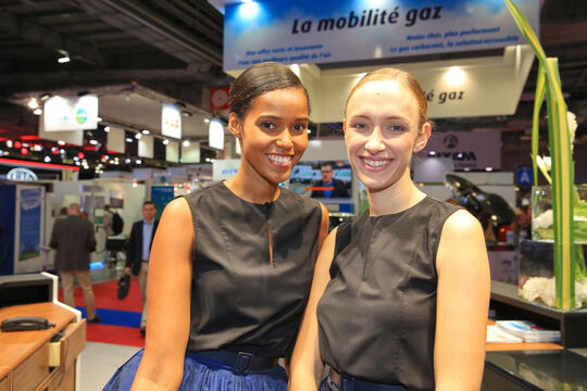 Girls Autosalon Paris 2016