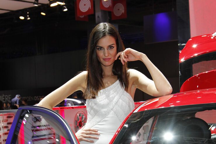 Girls Autosalon Paris 2067