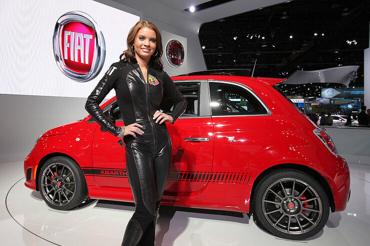 Girls Detroit Motor Show 2012