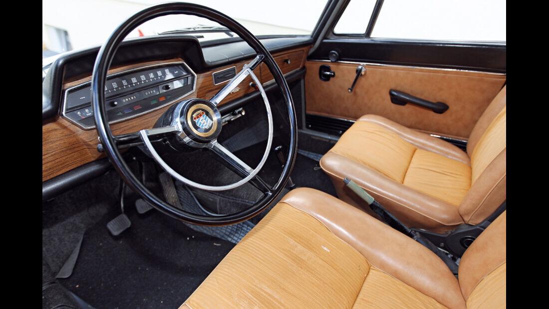 Glas 1700, Cockpit