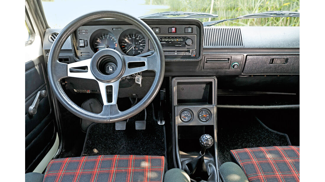 Golf GTI I, Cockpit