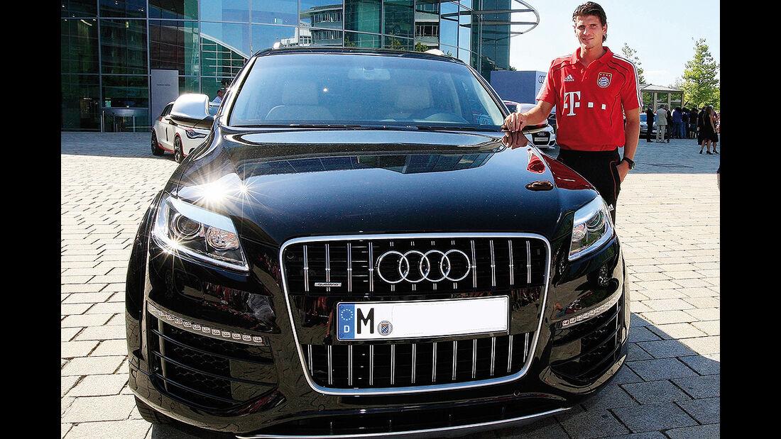 Gomez, FC Bayern München, Fußballer und Autos, Audi Q7