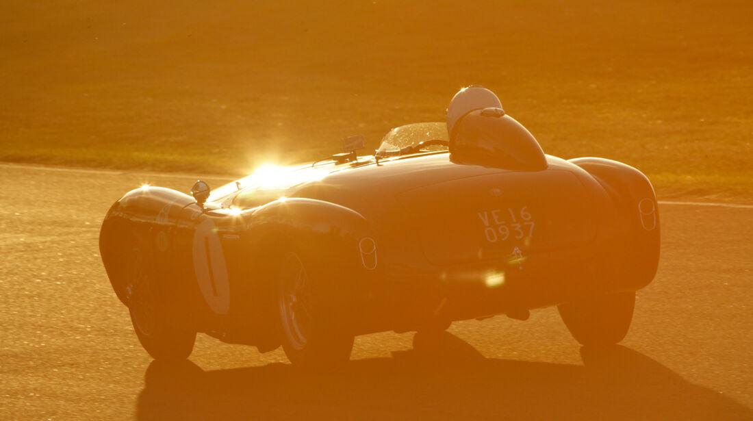 Goodwood Revival Meeting, Lancia D24, Sonnenuntergang