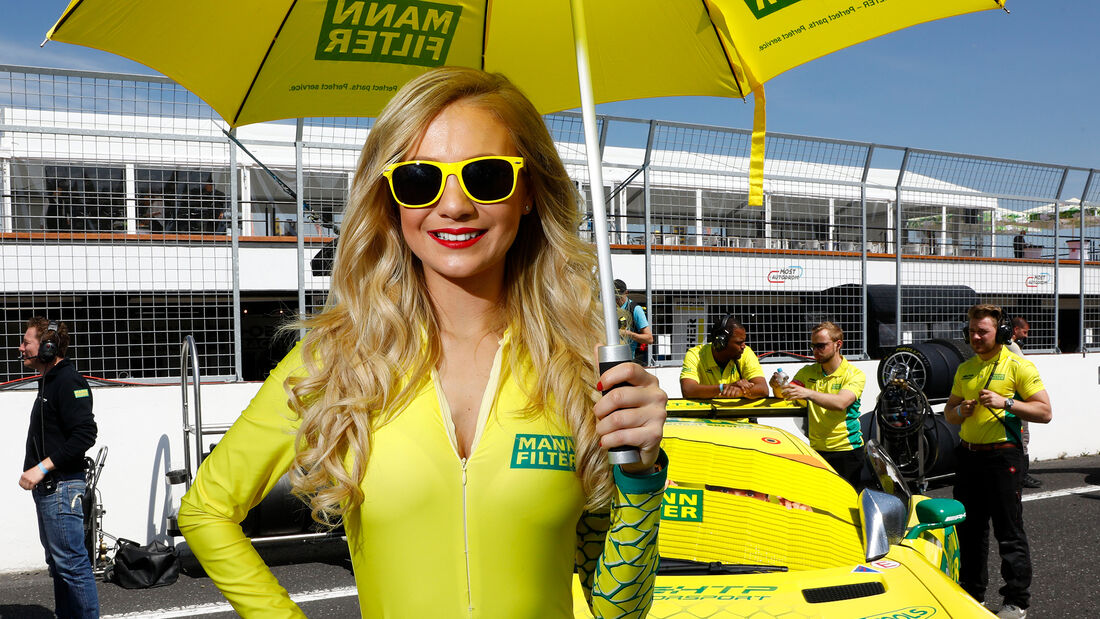 Grid Girls - ADAC GT Masters 2018