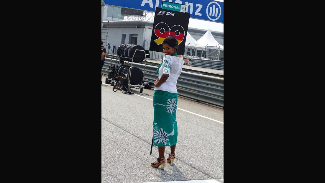 Grid Girls - GP Malaysia 2014 - Formel 27