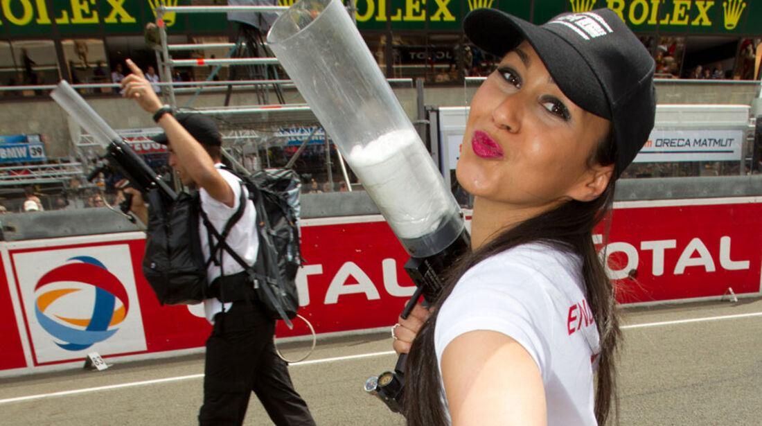 Grid Girls Le Mans 2011