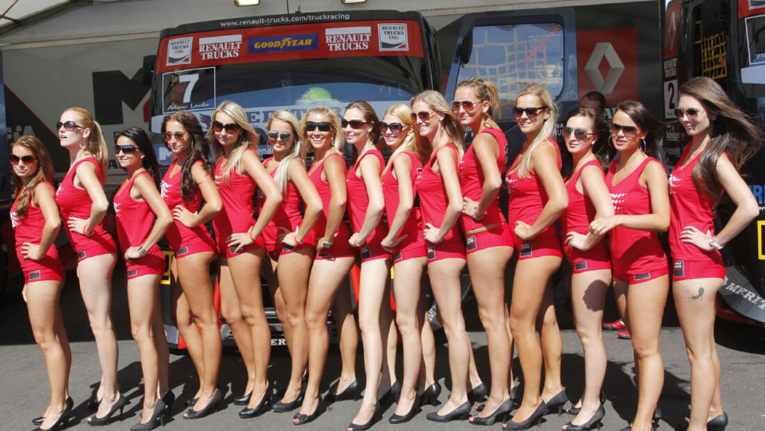 Grid Girls - Truck Racing - Most 2011