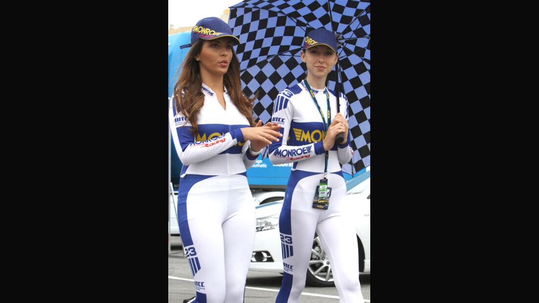 Grid Girls WTCC Porto 2011