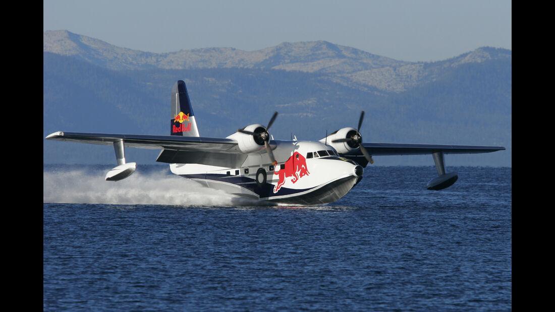 Grumman HU-16 Albatross - Red Bull