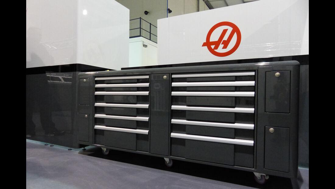 Haas F1 - Fabrik Banbury - 2016