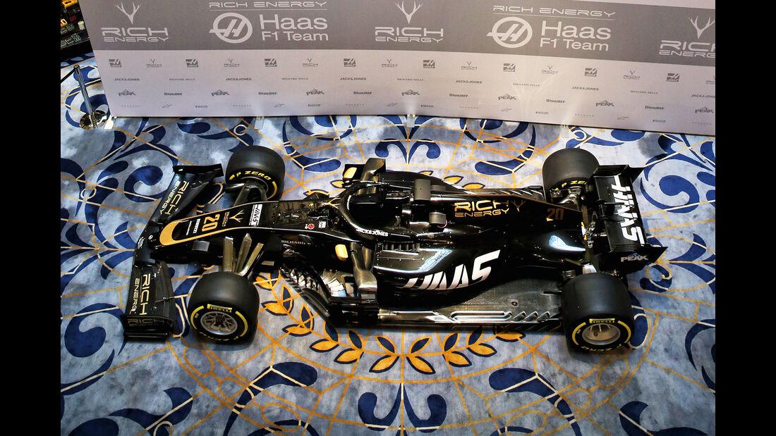 Haas F1 - Präsentation Design - VF-18 - Formel 1 - 2019