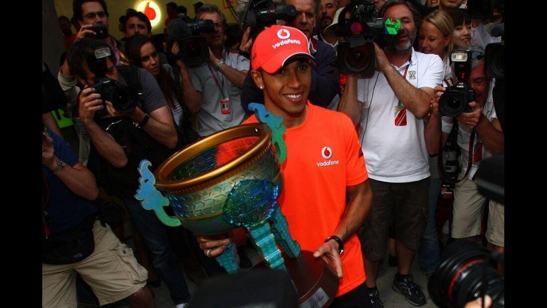 Hamilton Pokal Formel 1 GP China 2011