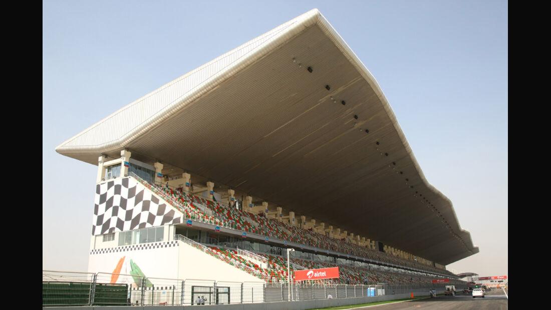 Haupttribüne - GP Indien - 27.10.2011